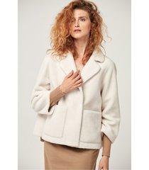 biała kurtka wełniana
