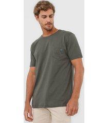 camiseta colombo bolso verde - verde - masculino - algodã£o - dafiti