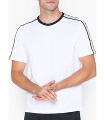 calvin klein jeans monogram tape reg ss tee t-shirts & linnen vit