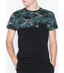 solid falton ss aop t-shirts & linnen black