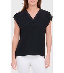 blusa calvin klein v neck mixed media blouse  negro - calce holgado