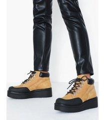 vagabond tara flat boots