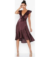 nly eve flounce wrap dress loose fit