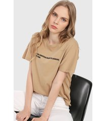 camiseta beige-negro mng