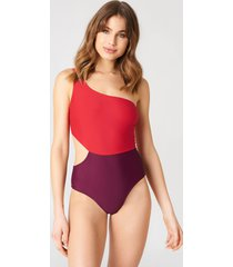 na-kd swimwear one shoulder block swimsuit - multicolor