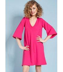 sukienka z rozszerzanymi rękawami fuksja