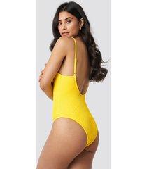 hannalicious x na-kd deep back smocked swimsuit - yellow