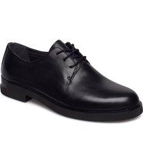 iman snörade skor låga svart camper