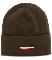 moncler hat with logo patch