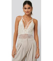na-kd lingerie bodysuit i spets - white