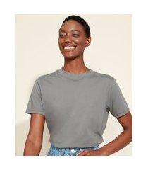 t-shirt feminina mindset básica manga curta decote redondo chumbo