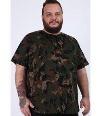 camiseta masculina plus size estampada camuflada manga curta gola careca verde militar