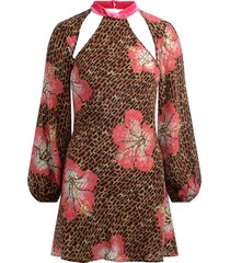 dress in hawaii giraffe print with fuchsia velvet inserts