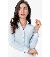 camisa social feminina azul claro
