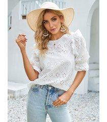 blusa de media manga con cuello redondo y diseño hueco de algodón yoins