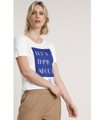 "blusa feminina ""think about art"" com brilho manga curta decote redondo off white"