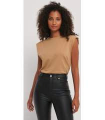 trendyol bas-t-shirt - brown