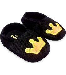 pantufa bebê bordado coroa amarela isabb preto