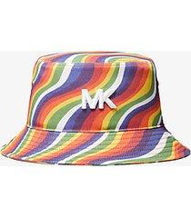 mk cappello a secchiello pride in cotone con stampa ondulata arcobaleno - arcobaleno (bianco) - michael kors