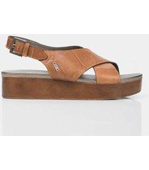 sandalia plataforma de cuero para mujer grabada