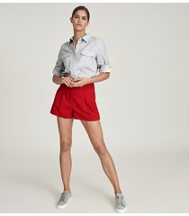 reiss april - pleat front tailored shorts in red, womens, size 12