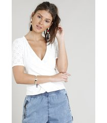 blusa feminina transpassada em laise manga curta decote v branca