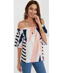blusa de manga corta con hombros descubiertos geométrica blanca