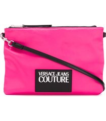 versace jeans couture logo patch clutch - pink