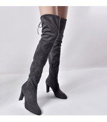 stivali tacco alto in pelle scamosciata sopra al ginocchio