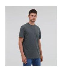 camiseta básica comfort fit em algodão peruano   marfinno   verde   p