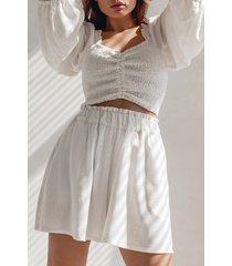białe damskie szorty spódnico-szorty