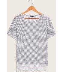 camiseta detalle bordado 10