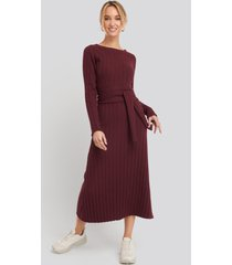 na-kd recycled ribbed knit midi skirt - red