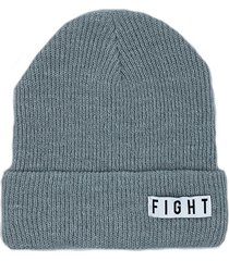 gorro gris  fight for your right capsula