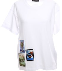 regular t-shirt with embroidered patches