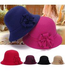 donna vintage cappello cloche di lana artificiale con fiore feltro cappello da pescatore d'inverno