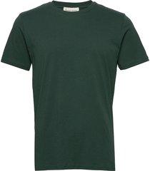the organic tee t-shirts short-sleeved grön by garment makers