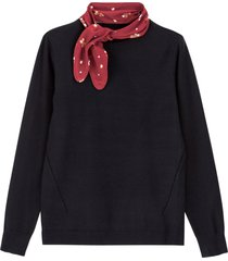 finstickad tröja med scarf