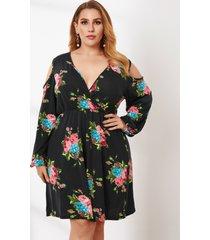 abrigo con estampado floral y hombros descubiertos de talla grande diseño midi de manga larga vestido