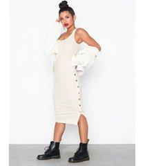 nly trend side button midi dress fodralklänningar