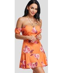 vestido sin tirantes con estampado floral naranja