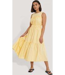 trendyol midiklänning - yellow