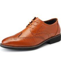 scarpe stringate eleganti da uomo con brogue