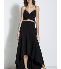 top camisola negro y falda asimétrica