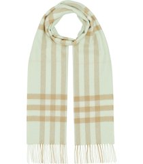 burberry the classic check cashmere scarf - neutrals