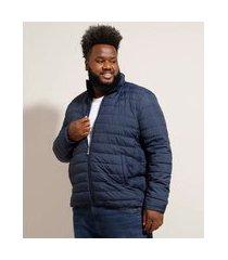 jaqueta puffer de nylon plus size básica com bolsos gola alta azul marinho