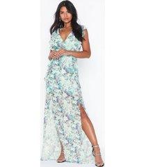 tfnc flower maxi dress maxiklänningar