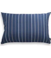 niebieska poduszka ogrodowa w pasy 60x40 cm