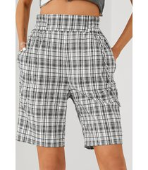 shorts de diseño de cadena con bolsillos laterales a cuadros blancos de yoins