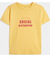 camiseta amarillo-fucsia seven seven